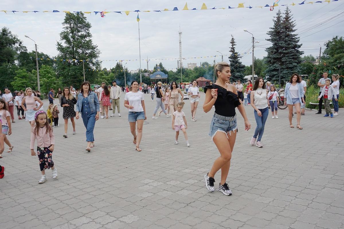 Майстер-класи з хореографії на майданчику біля КЗ «Охтирський міський центр культури і дозвілля»
